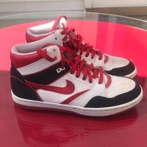 Nike sky force sneakers size 8.5